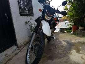 Se Vende Moto Kawasaki klx 150 en muy buen estado