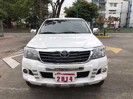TOYOTA HILUX 2.500 DIESEL 4x4 FULL EQUIPO