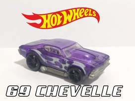 HOT WHEELS (69 CHEVELLE)