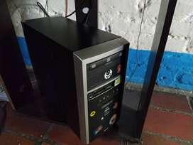 Computador de mesa marca QBEX