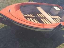 Venta de bote auxiliar con tráiler