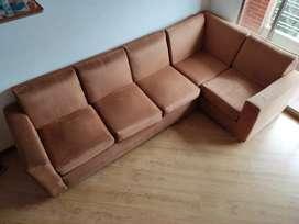 Sala Sofá en L con Puff