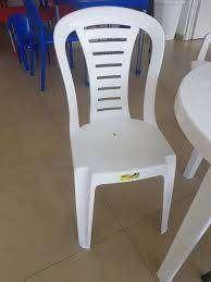 sillas y mesas plasticas apilables Mod Reina usadas BELGRANO