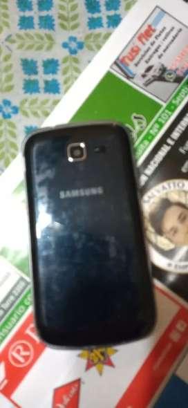 Vendo teléfonos míos son 5 o 6 teléfonos uno tiene la pantalla quebrada el resto bien.. paso fotis