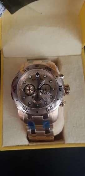 Reloj invicta en baño de oro 18k