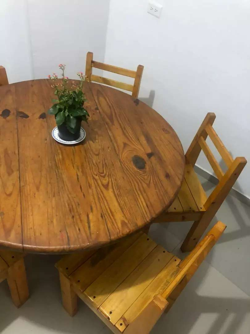 USADO, comedor de 4 puestos en madera 0