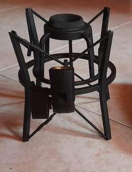 Microfono Akg P420 Condensador Grabacion Profesional