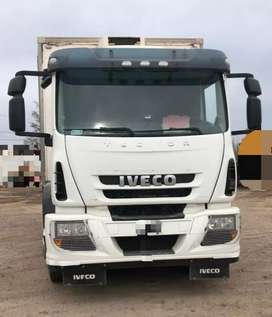 Camión Iveco Tractor 170E25 con caja termica y pala hidráulica... Excelente estado!!! 230.000 Km reales... Año 2013.