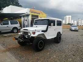 Vendo o Permuto Toyota Land Cruiser FJ40