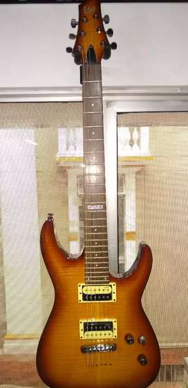 Guitarras eléctricas y acústica