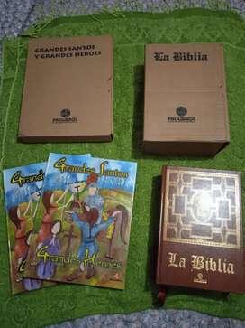 Biblia grande edición de lujo + dos libros de grandes Santos y grandes héroes