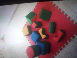 Alfombra de goma eva (4) mas bloques