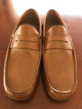 Zapatos para caballero # 9️⃣ $ 50 y niña # 5️⃣ $ 30
