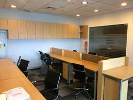 Alquiler oficina amoblada e implementada