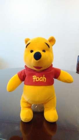 Muñeco Winnie de Pooh, en felpa, Perfecto estado.