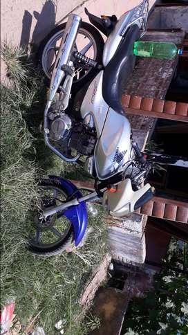 Vendo moto honda 2008
