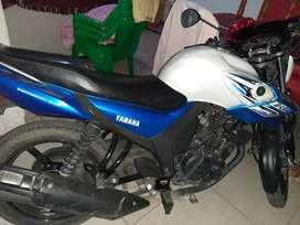 Yamaha SZ  150 cilindradas