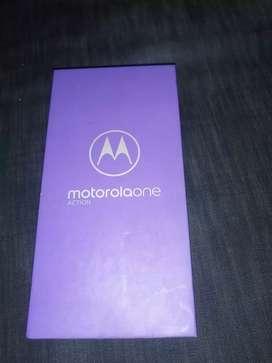Moto one action en caja
