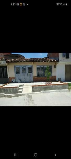 Se vende casa de 1 piso, con plancha para construir, en Cartago V. Barrio san Agustín