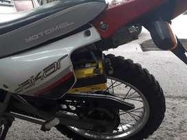 MOTOMEL DAKAR 200CC ENDURO CALLE EXCELENTE