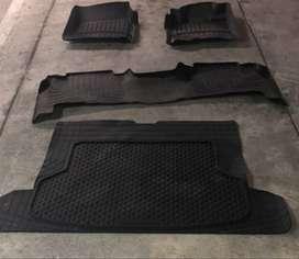 Tapetes Termoformados Toyota Lc200/L670000exus