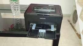 Se vende impresora láser samsumg