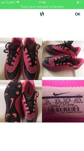Zapatos de futbol Nike usados