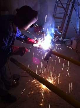 Busco trabajo como armador soldador, ayudante de soldador