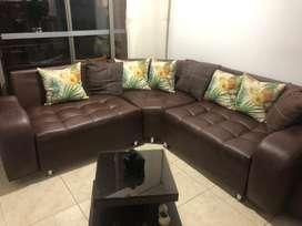 Sofa en vinilcuero cafe