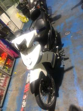 Crypton 2017 blanco Vendo moto en perfecto estado original
