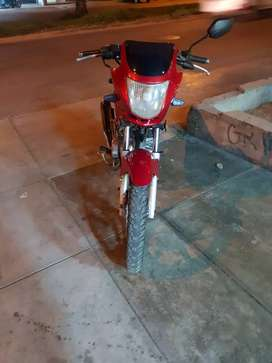 Vendo mi moto por motivos de viaje