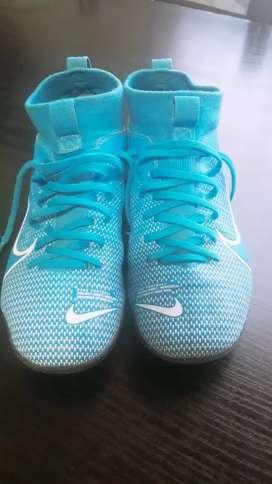 Botines Nike predator