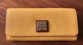 Preciosa billetera Dooney & Bourke 100% cuero