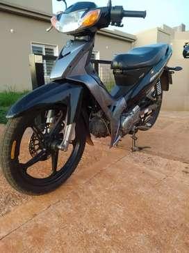 Vendo o permuto Yamaha new crypton