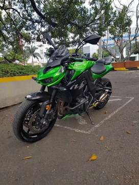 Se vende Kawasaki Z1000