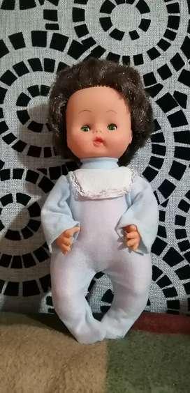 Muñecas marca BASA