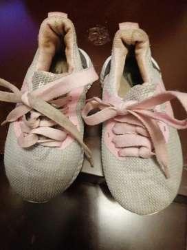 Zapatos para niña talla 27 Nike