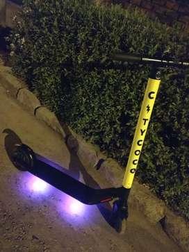 VENDO SCUTER eléctrico marca CITYCOCO