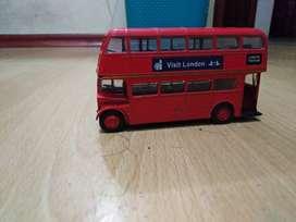 Bus de juguete