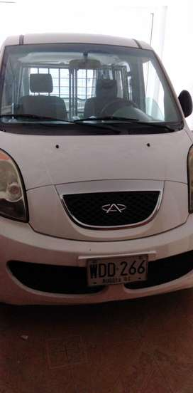 AVEO EMOTION FULL EQUIPO Y CAMIONETA BLANCO CHERY-PANEL