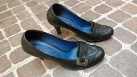 Stilettos Negros Número 37