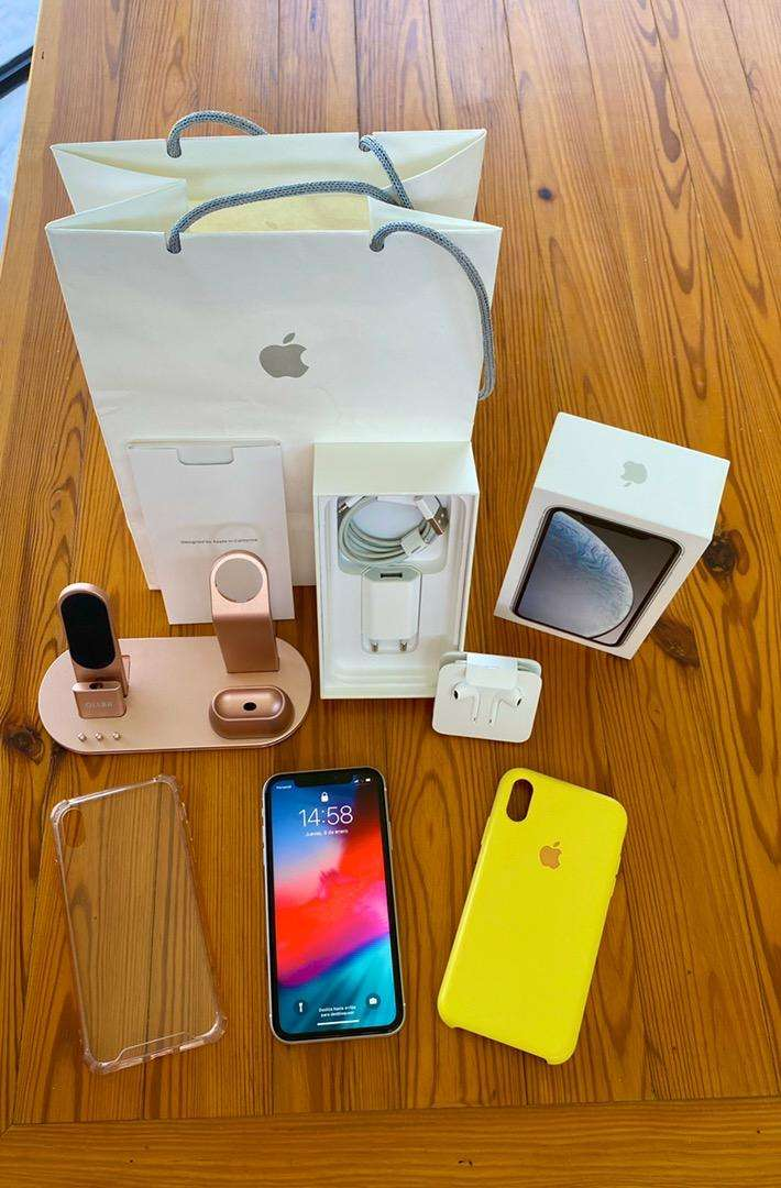 Vendo Iphone Xr 64 Gb impecable 0