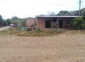 Casa con lote junto lote de 70m² casa con 4 habitaciones  cocina baño y local