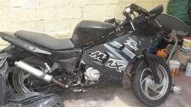 Vendo para repuesto o reparación moto shyneray 2010