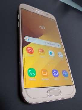 Hola! Vendo Samsung Galaxy A5 2017 libre. Excelente estado. Ushuaia.