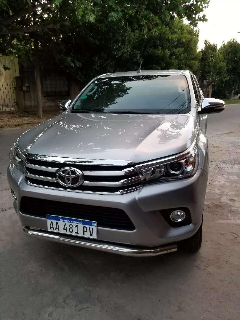 Toyota hilux srx 2016 4 x 4 t/m 0