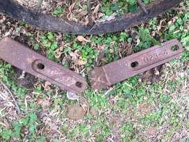 Uñas de hierro de pala cargadora: el par, en Fátima, Pilar