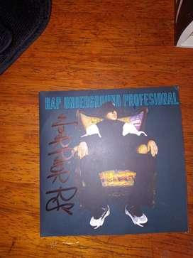 Cd's autografiados por Warrior de Rapper School
