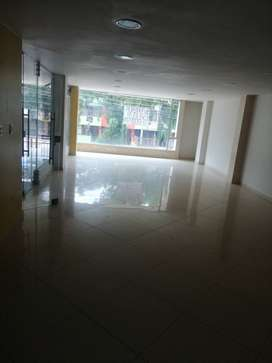 Arriendo local de 120 mts cuadrados