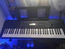Sintetizador YAMAHA PSR-E263